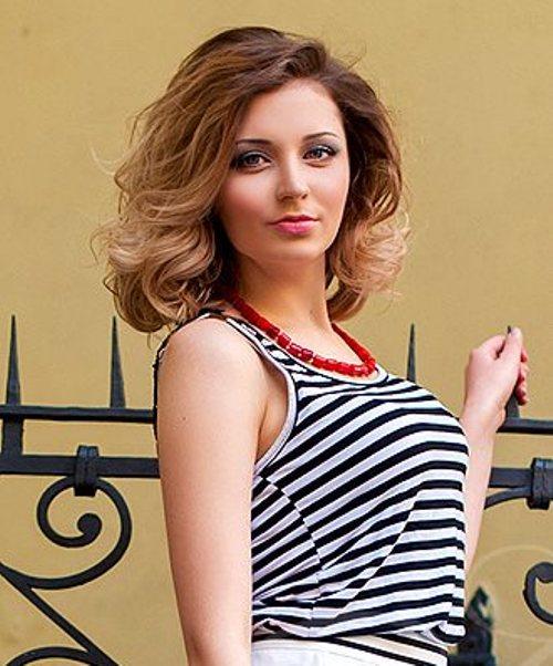 Date a beautiful Ukrainian woman from an international dating website